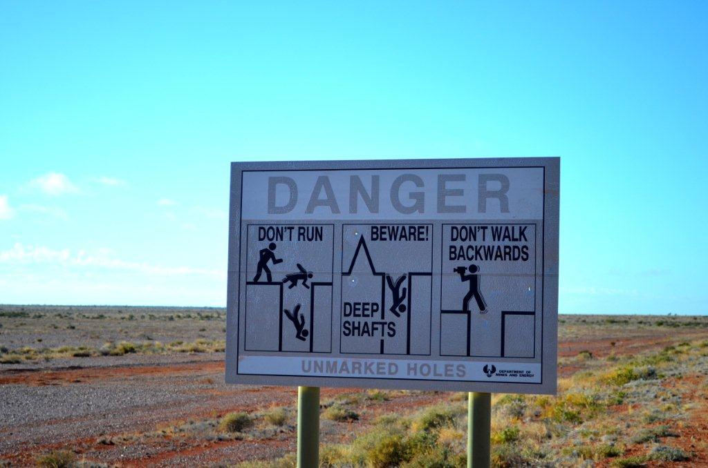 Coober Pedy warning signs